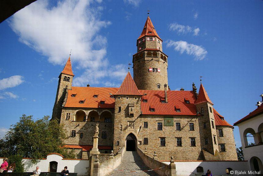 Image result for foto hrad bouzov